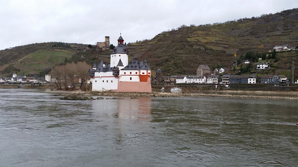 Rhine105731