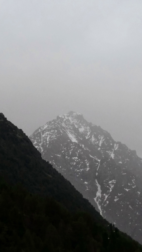 Kyrgy013451