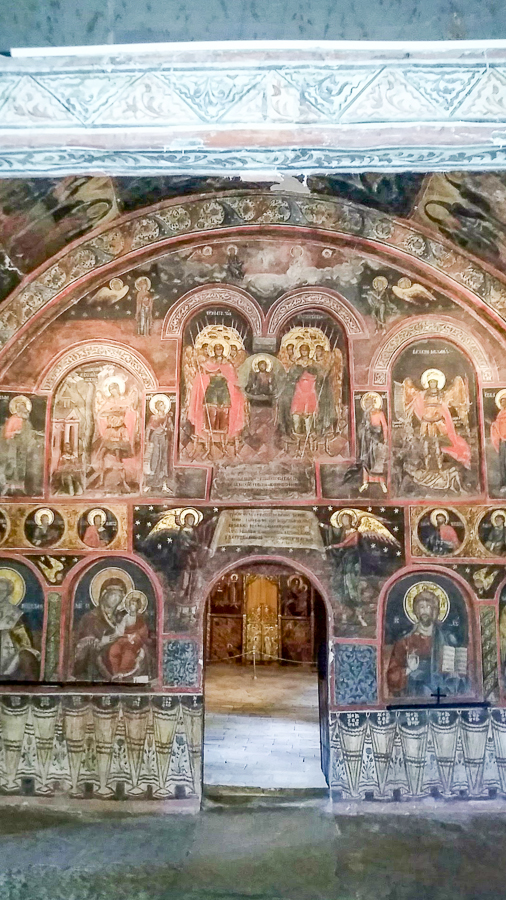The frescoes are wonderful.