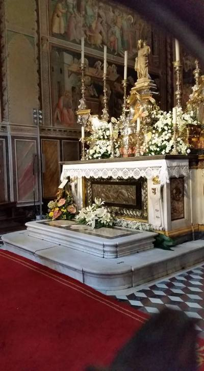 Altar with Mary's belt. Cathdral. Prato, Italy.