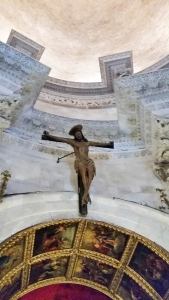 A side crucifix.