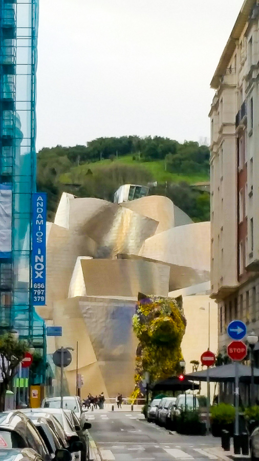 Puppy by Jeff Koons at the Bilbao Guggenheim Museum.